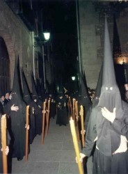 Elementos de un ritual satánico Túnicas