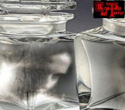 Subastan fantasmas atrapados en frascos de vidrio
